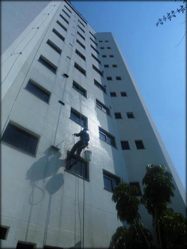 Pintura de Fachada de Edifícios Altos Santa Teresinha - Pintura Rápida em Edifícios