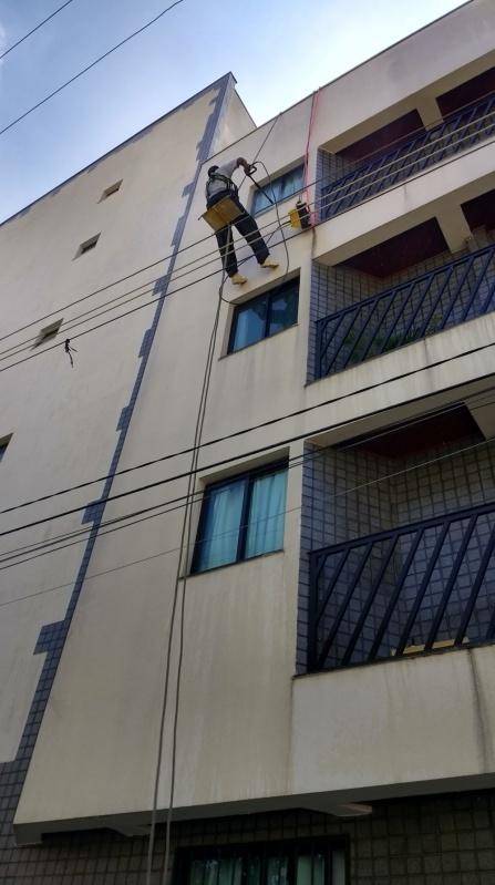 Pintura de Fachada para Edifícios Comercial Preço no Parque Andreense - Pintura Rápida em Edifícios