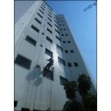 pintura de fachada de edifícios altos