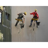 pintura de fachada de prédio comercial