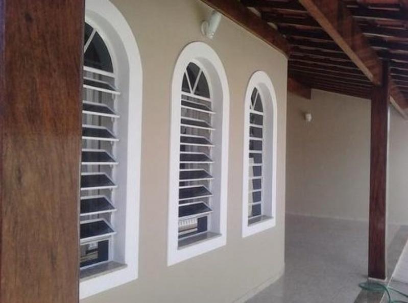 Empresa de Pintura para Edificações Residenciais na Vila Tibiriçá - Pintura Rápida em Edifícios