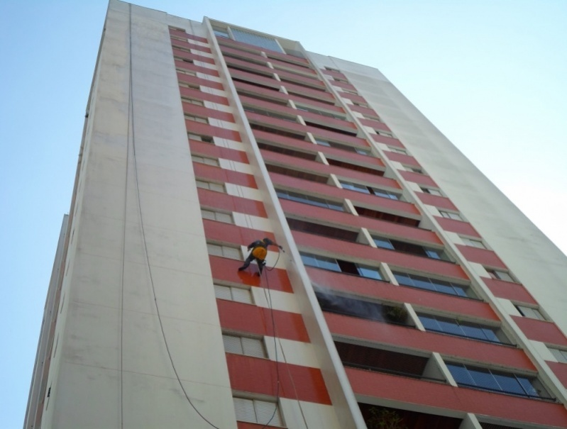 Empresa de Pintura para Fachada de Edifícios Residenciais Taboão - Pintura na Parede de Prédio