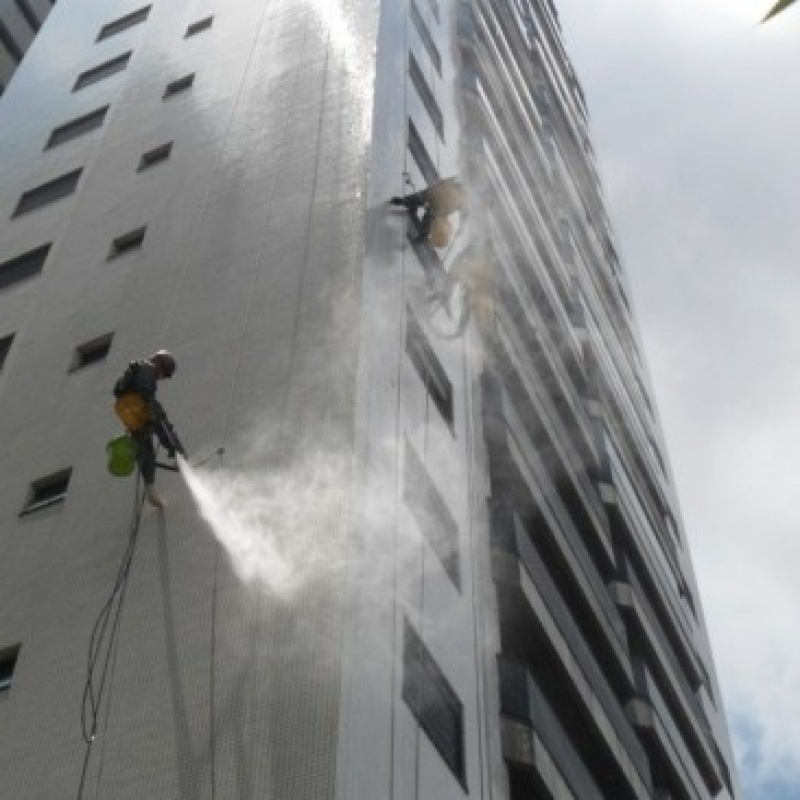 Pintura de Fachada para Edifícios Antigas Preço no Parque Miami - Pintura Rápida em Edifícios