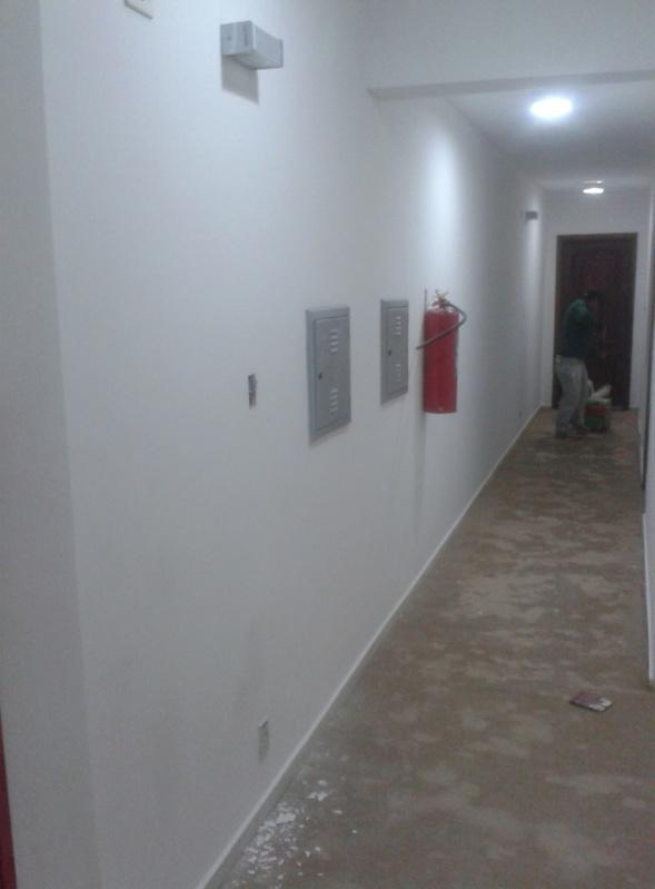 Pintura na Parede de Prédio Preço na Bairro Silveira - Pintura Rápida em Edifícios