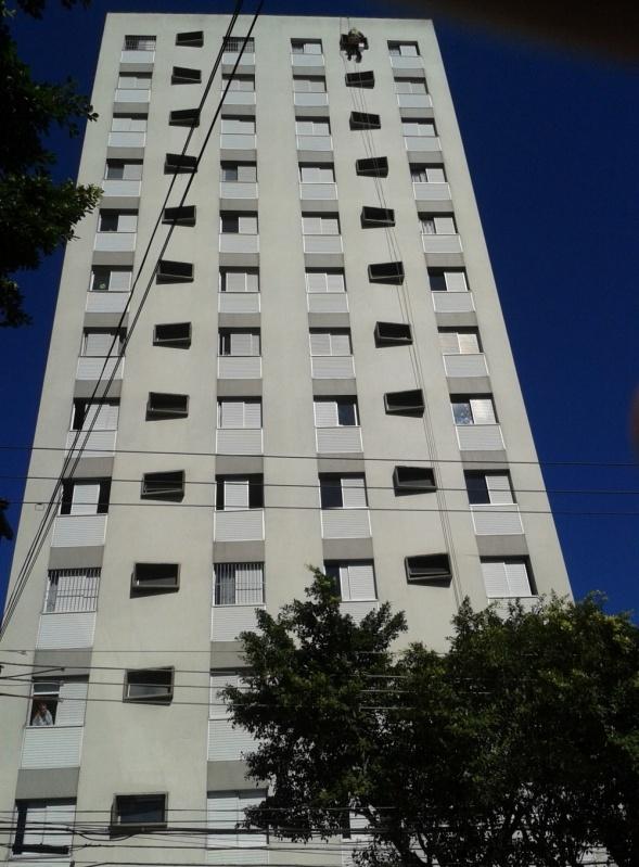 Pintura na Parede de Prédio Condomínio Maracanã - Pintura Rápida em Edifícios