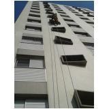 pintura em fachada de prédios na Vila Magini